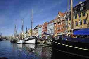 Der Hafen von Kopenhagen, Ansicht der Schiffe und der Stadt