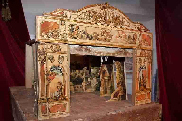 The origins of the operetta